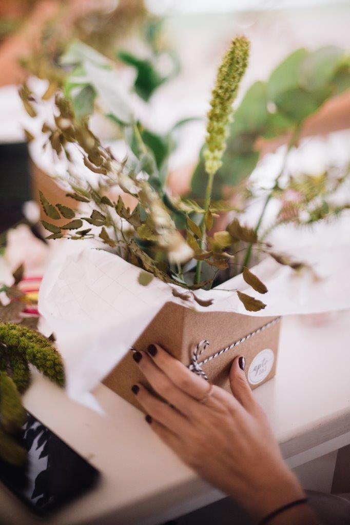 flores e frutas no workshop do lançamento do aromatizador de ambiente myk
