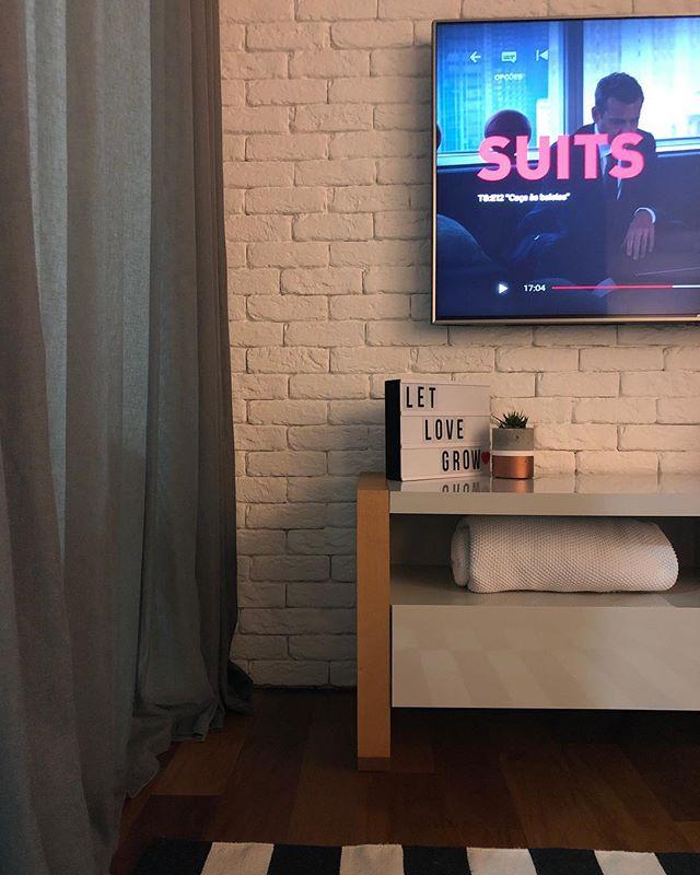 sala, televisão, rack,letreiro, série de tv para spa em casa